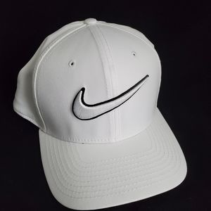 Nike Classical dri-fit baseball cap hat